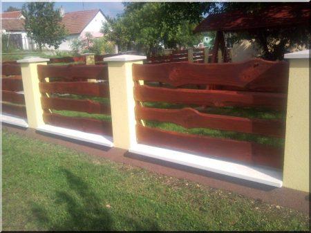 Kerítés elem szélezetlen borovi deszkából, 20 - 25 cm