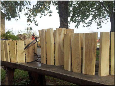 Rustic acacia garden border 20 cm high