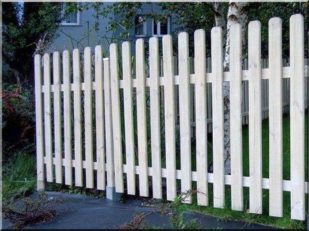 Acacia fence pieces