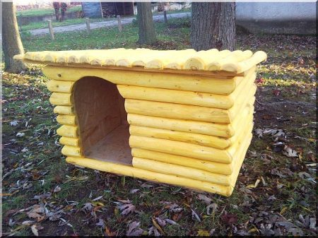 Dog-kennel from logs, size IV