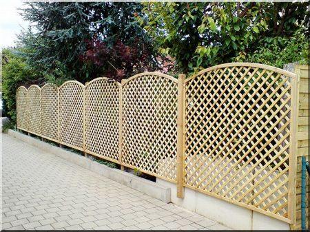 Apácarács kerítés