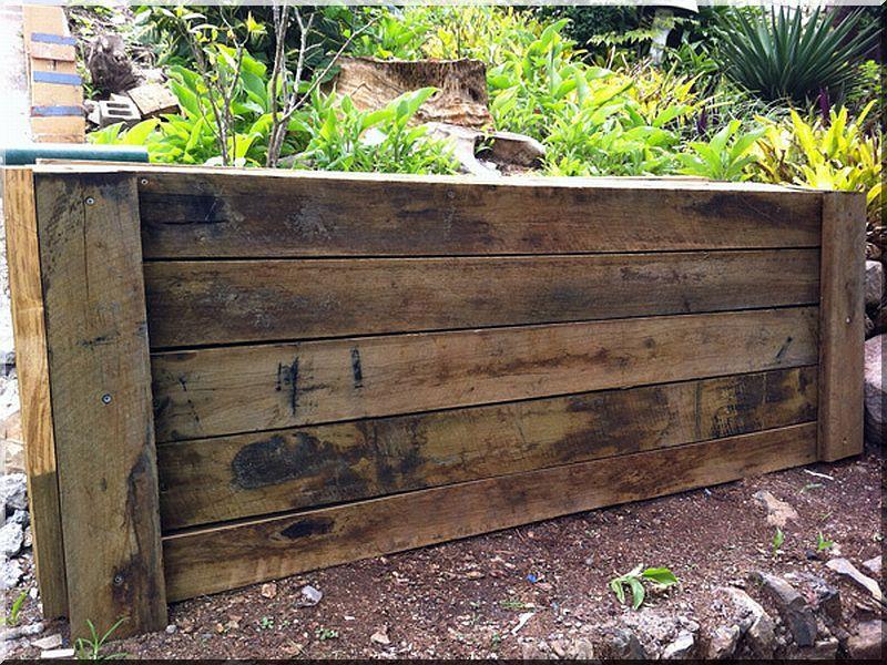 construction de mur de sout nement planches d 39 acacia vieux linteau grilles et pergolas pour. Black Bedroom Furniture Sets. Home Design Ideas