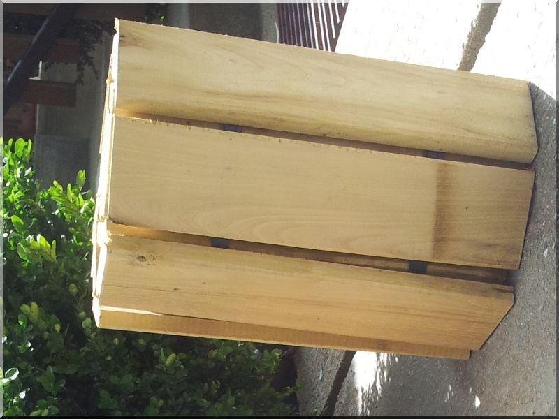 zaunlatten aus robinie garteneinfassung bretter robinie fahrradst nder. Black Bedroom Furniture Sets. Home Design Ideas