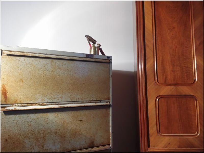 Loft fiókos szekrény