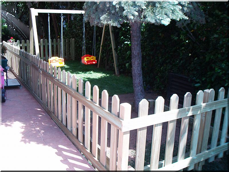 0,8 méteres fenyő kerítéselem