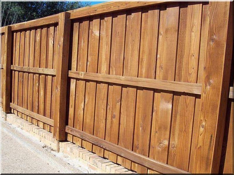 2 méteres gyalult fenyődeszka, kerítéselem