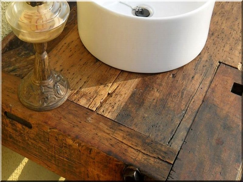 Bútor antik fából -