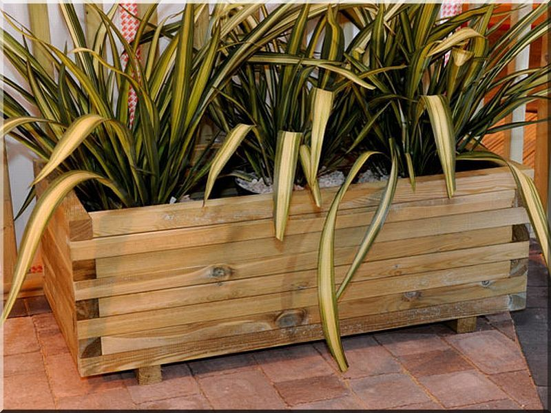 We offer a wide choice of size and type of flower boxes and pots