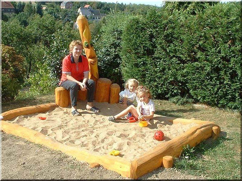 Akác rönk homokozó -