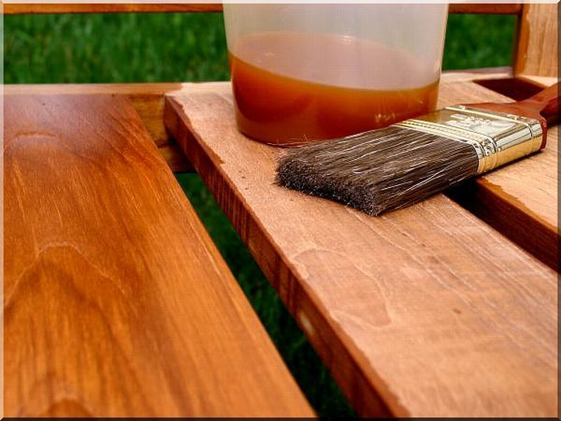 We assume primer, lazur or wood oil treatment. We present the optional colours here. Most of our products are made of locust which is durable without any treatment, resistant to the changeable weather.