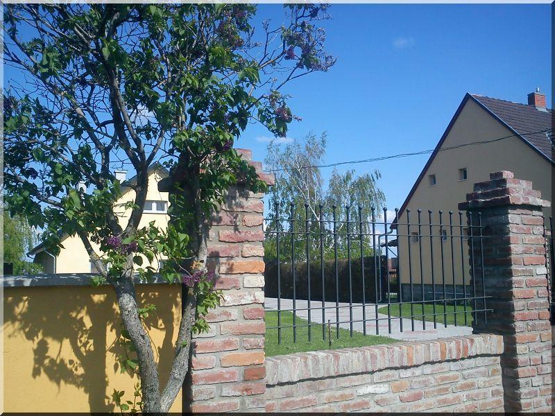 Monti kerítés -