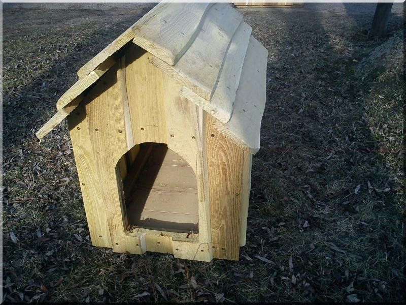Kutyaház, akác, bélelt, II- es méret -