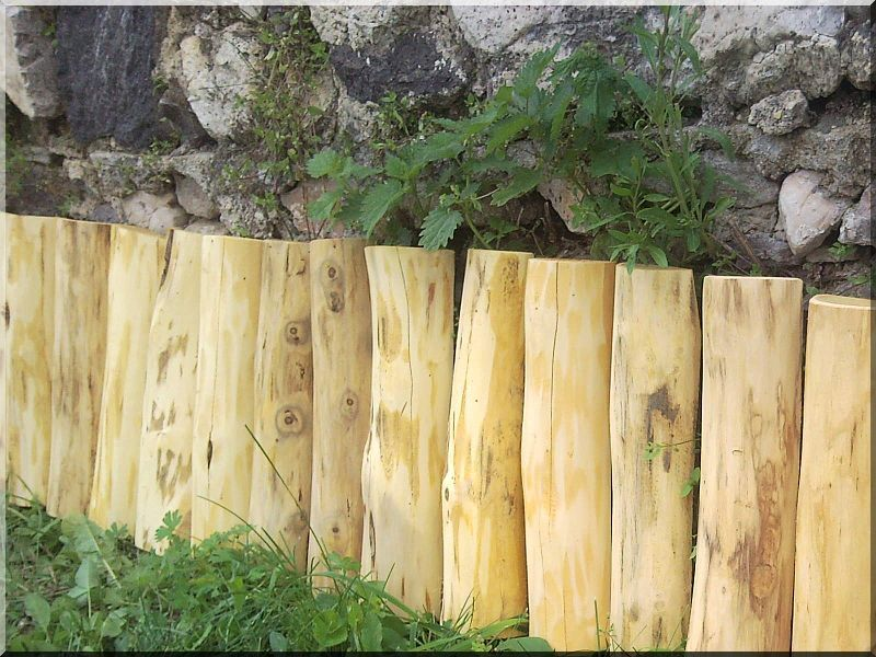 Gy sszeg ly f szeg ly planches d 39 acacia vieux linteau for Bordure jardin demi rondin bois